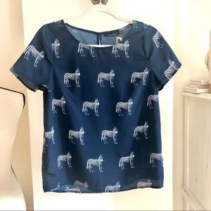 3for$45 NWT Doe & Rae Loose Top. Size M